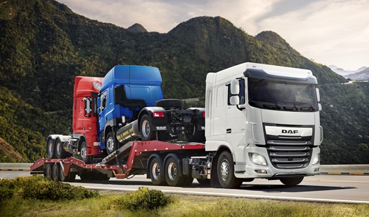 Calender-2021-DAF-XF-FTS-6x2-Space-Cab-PACCAR-MX-13